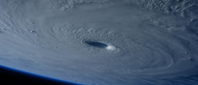 Hurricane-PixTeller